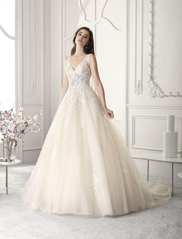 Vestiti Da Sposa Urgnano.Wedding Dress Legnano Dea Spose Atelier Abiti Da Sposa
