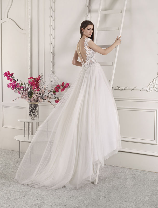 Abiti Da Sposa Gallarate.Wedding Dress Gallarate Dea Spose Atelier Abiti Da Sposa
